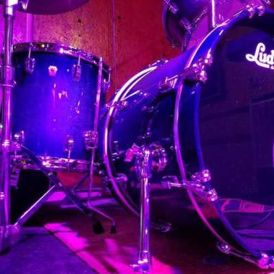 Ludwig-  Classic Maple  2018 Aqua Burst Complete Kit w/ snare