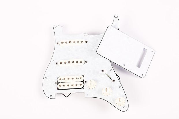fender stratocaster white pearlescent pickguard