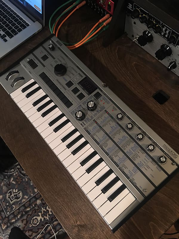 Korg microKORG Synthesizer/Vocoder Platinum limited edition