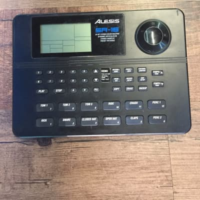 ALESIS SR-16 DRUM MACHINE (USED)
