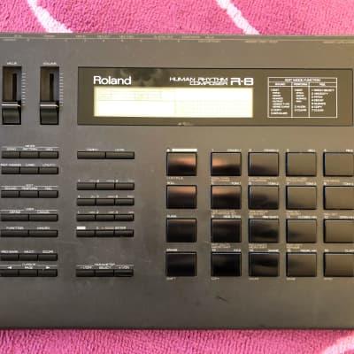 Roland R-8 Human Rhythm Composer Drum Machine + 1 Card