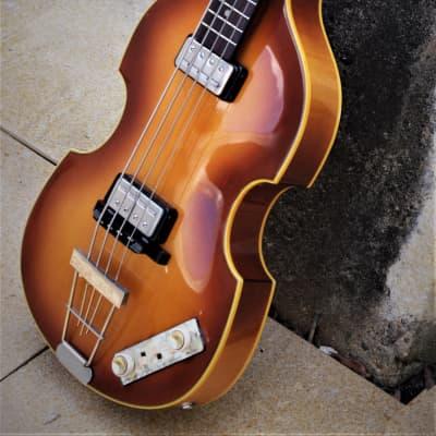 Hofner 500 Bass 40th Anniversary 1996 Sunburst. Beatles Bass.  Collectible. RARE. McCartney bass. for sale