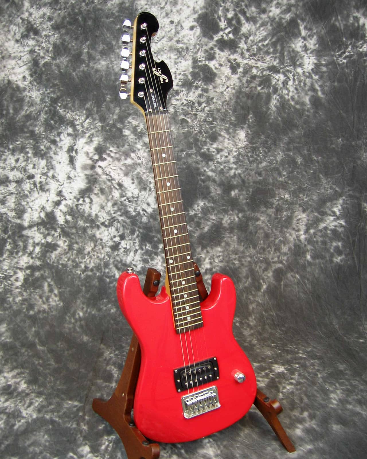 vg used first act me 1958 1 2 scale electric guitar reverb. Black Bedroom Furniture Sets. Home Design Ideas