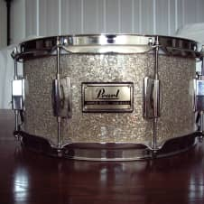 Pearl 13x6 maple snare drum