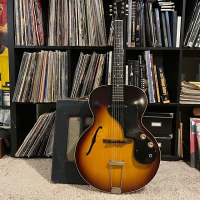 Gibson ES-120T 1962 Sunburst with Hard Shell Case
