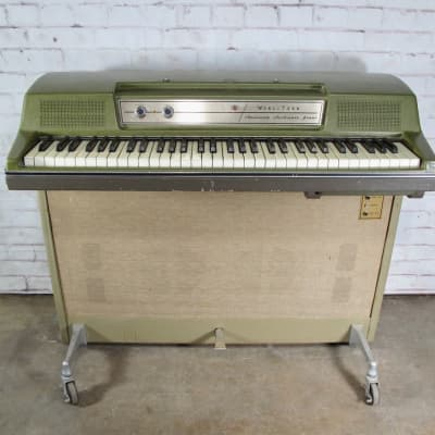 Wurlitzer 214A Vintage 1970s Classroom Electric Piano with Built in Speaker Cabinet