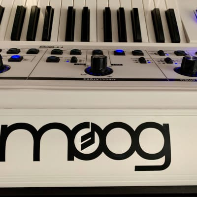 Moog Little Phatty Stage II White with upgraded wood sides