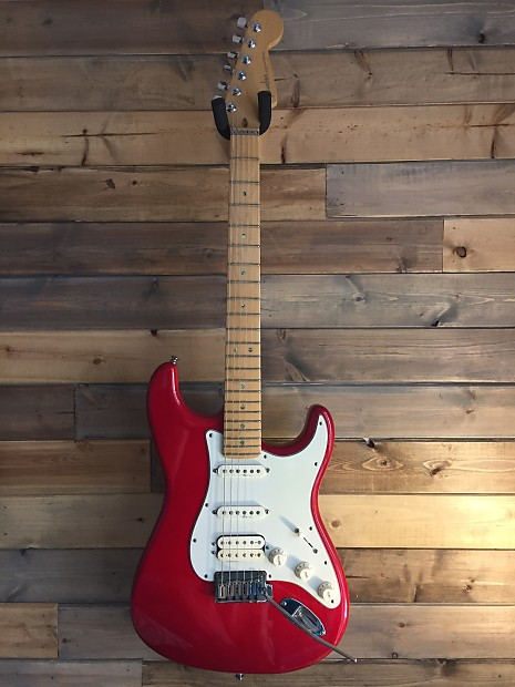 Fender American Deluxe Fat Strat 2000 Translucent Red