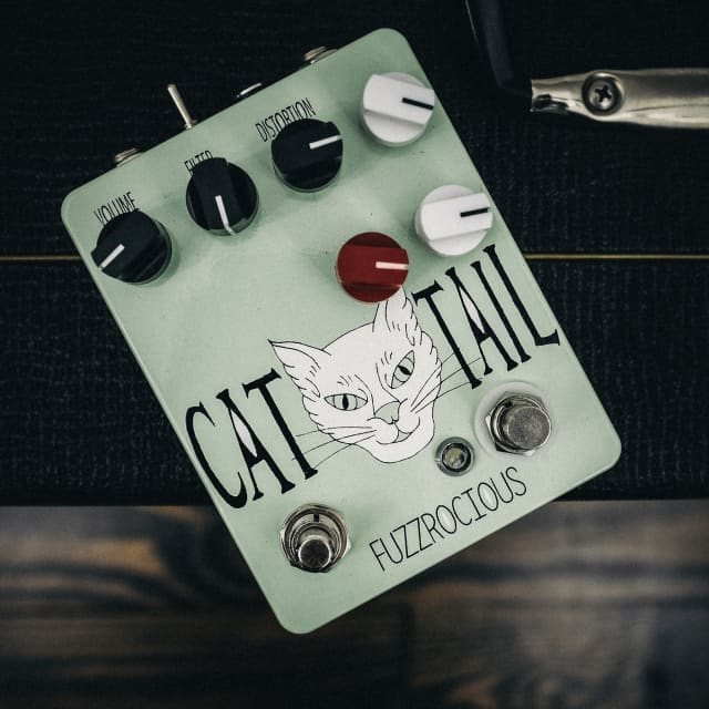 Fuzzrocious Cat Tail with Momentary Feedback Mod image