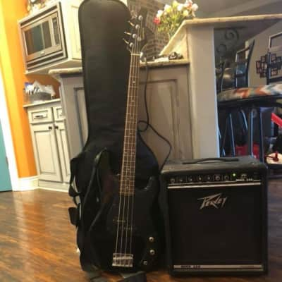 Samick/Peavy Samick Bass Guitar, Soft Case, and Peavy MINX110 Amp Glossy Black