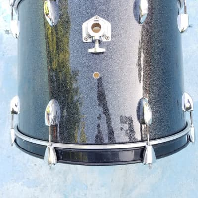 Taye Bass Drum 22x16 Shell For Drumset 8 Lugs Metal Hoops Piano Black
