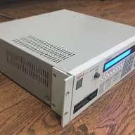 Akai S950 1990 Beige