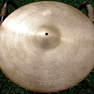 """1960s ZILDJIAN 20"""" ride cymbal 2570 grams"""