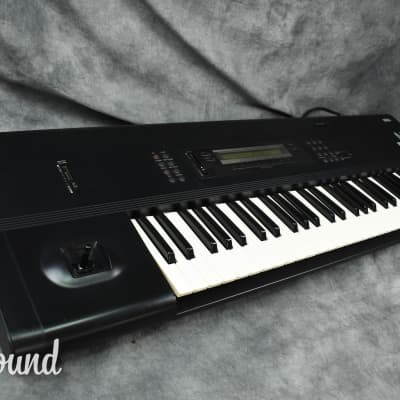 Korg M1 Music Workstation Synthesizer in very good condition