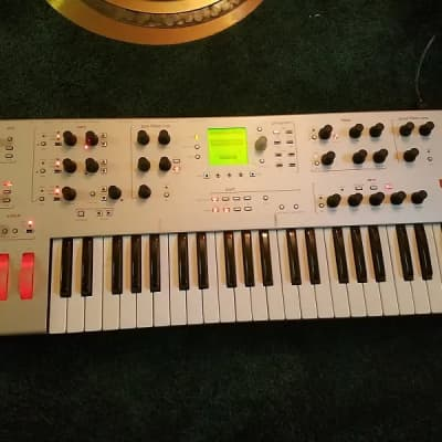 Alesis ION Analog Modeling Synthesizer!!! (Main outputs WORKING)