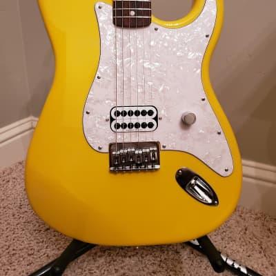 2019 Fender Strat Hardtail Tom Delonge Remake Graffiti Yellow for sale