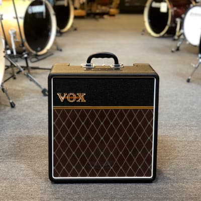 buy used vox tube combo guitar amps audiofanzine. Black Bedroom Furniture Sets. Home Design Ideas