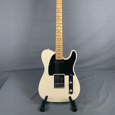 Fender  Standard Telecaster  2012 Alpine White w/Gig Bag