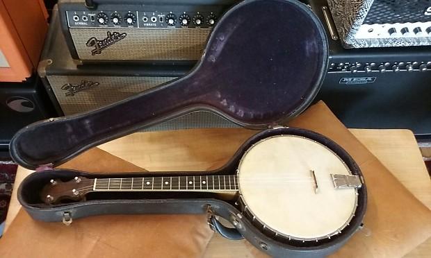 1920s Vega Little Wonder Tenor Banjo with case