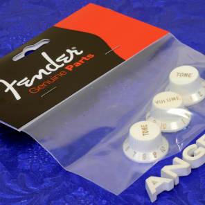 3 Genuine Fender ® USA Parchment Strat Knobs Stratocaster 0056254049 Brand New