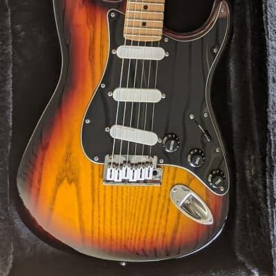 1989 - 1990 *Vintage*  USA Fender Strat Plus Deluxe Sunburst Electric Guitar [ MIA Stratocaster, Upgraded Lace Sensor Pickups] (FT Super Reverb, Reissue Strats/Teles) for sale