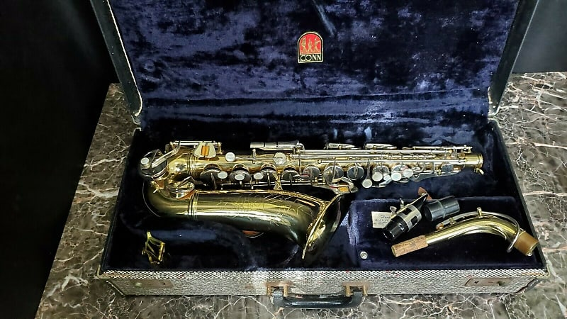 Conn USA Saxophone - w Mouthpiece/Case/Lyre serial number C05704