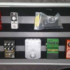 Pedaltrain PT-1, case  &  pedal lot: Malekko, Digitech, Zoom PD-01, Mooer, DOD