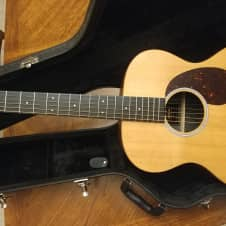 Martin 000X1AE Acoustic Elelectric Guitar with HSC