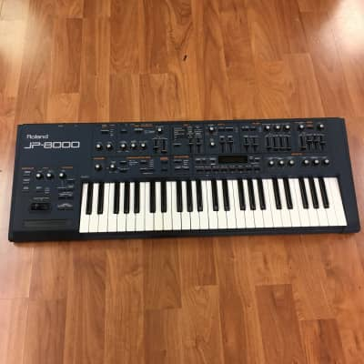 Roland JP-8000 Synth