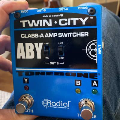Radial Tonebone Twin-City ABY Switcher