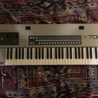 Akai X7000 Sampling Keyboard