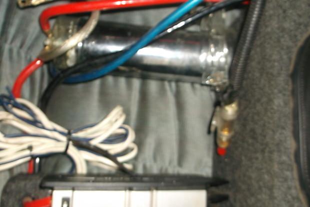 jbl 1200 watt jbl car sound system 2010 silver
