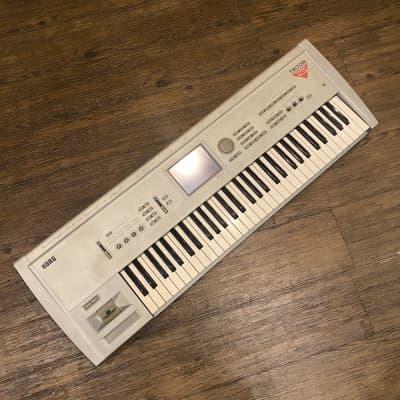 KORG TRITON 61 Workstation Keyboard synthesizer -GrunSound-w955-