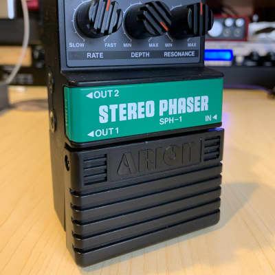 Arion SPH-1 Stereo Phaser Japan green battery cover Rare for sale