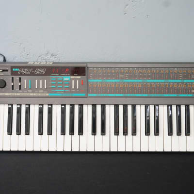 Korg Poly-800 80's Vintage Digital / Analogue Polyphonic Synthesiser & Sequencer