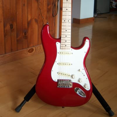 Fender  Squier Stratocaster Standard 2020 Red for sale