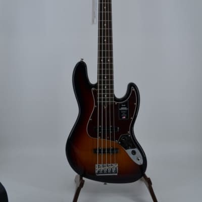 Fender American Professional II 5 String J BASS Rosewood Fingerboard 3 Color Sunburst