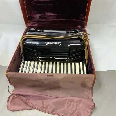 Crucianelli  41-Key/120-Button Accordion Black