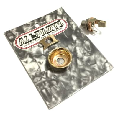 Telecaster Gold Jack Cup AP-0275-002 & Switchcraft Jack