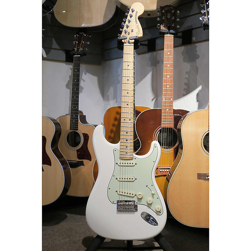 fender deluxe roadhouse stratocaster with maple fingerbaord reverb. Black Bedroom Furniture Sets. Home Design Ideas