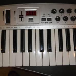 M-Audio Oxygen 8 25-Key MIDI Controller Keyboard