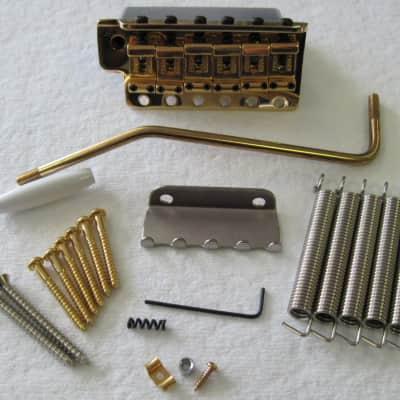 Fender Original Vintage Stratocaster Tremolo Assembly Gold 0992049200