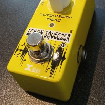 Xvive Lemon Squeezer 2015