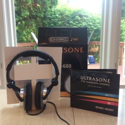 Ultrasone HFI-680 Closed Back Headphones in Great Condition!