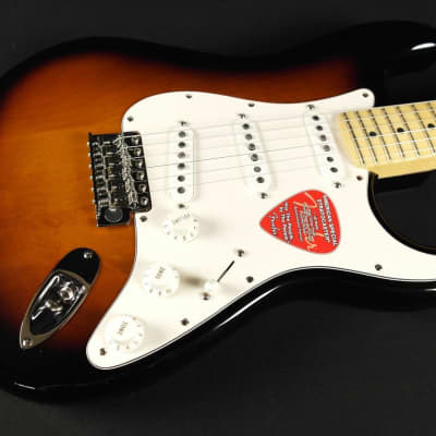 Fender American Special Stratocaster - Maple Fingerboard - 2-Color Sunburst (931) for sale