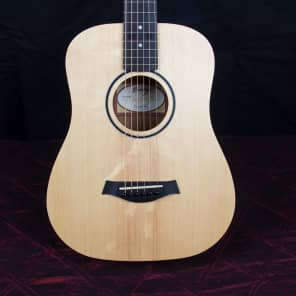 Taylor BT1e Baby Taylor Spruce w/ Electronics Natural