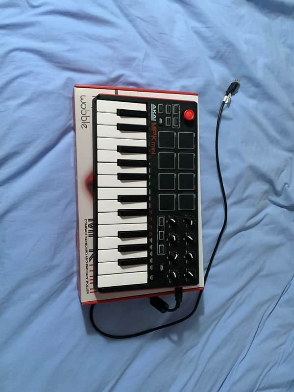 Akai Mpc Mini Mkii 2016 Black And Red Reverb