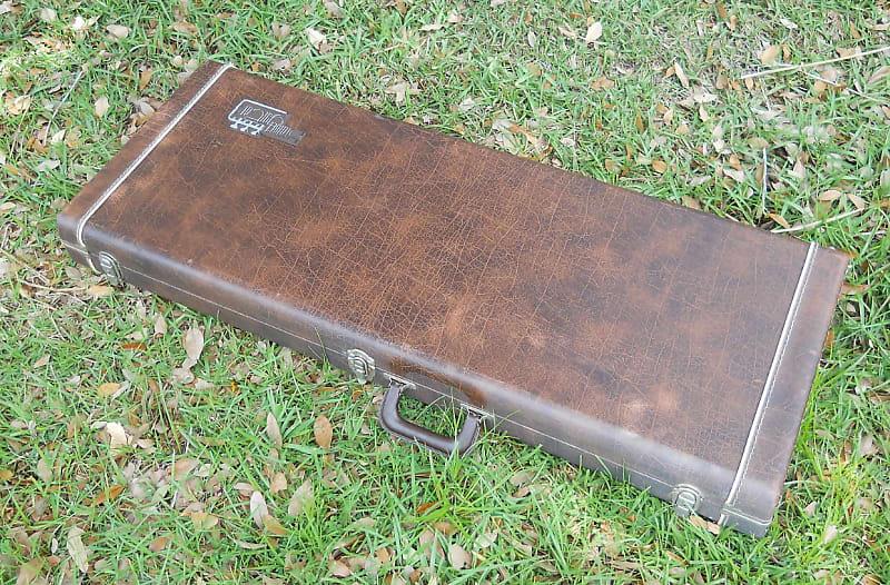 kramer guitar case vintage 1980s lion s den studios reverb. Black Bedroom Furniture Sets. Home Design Ideas