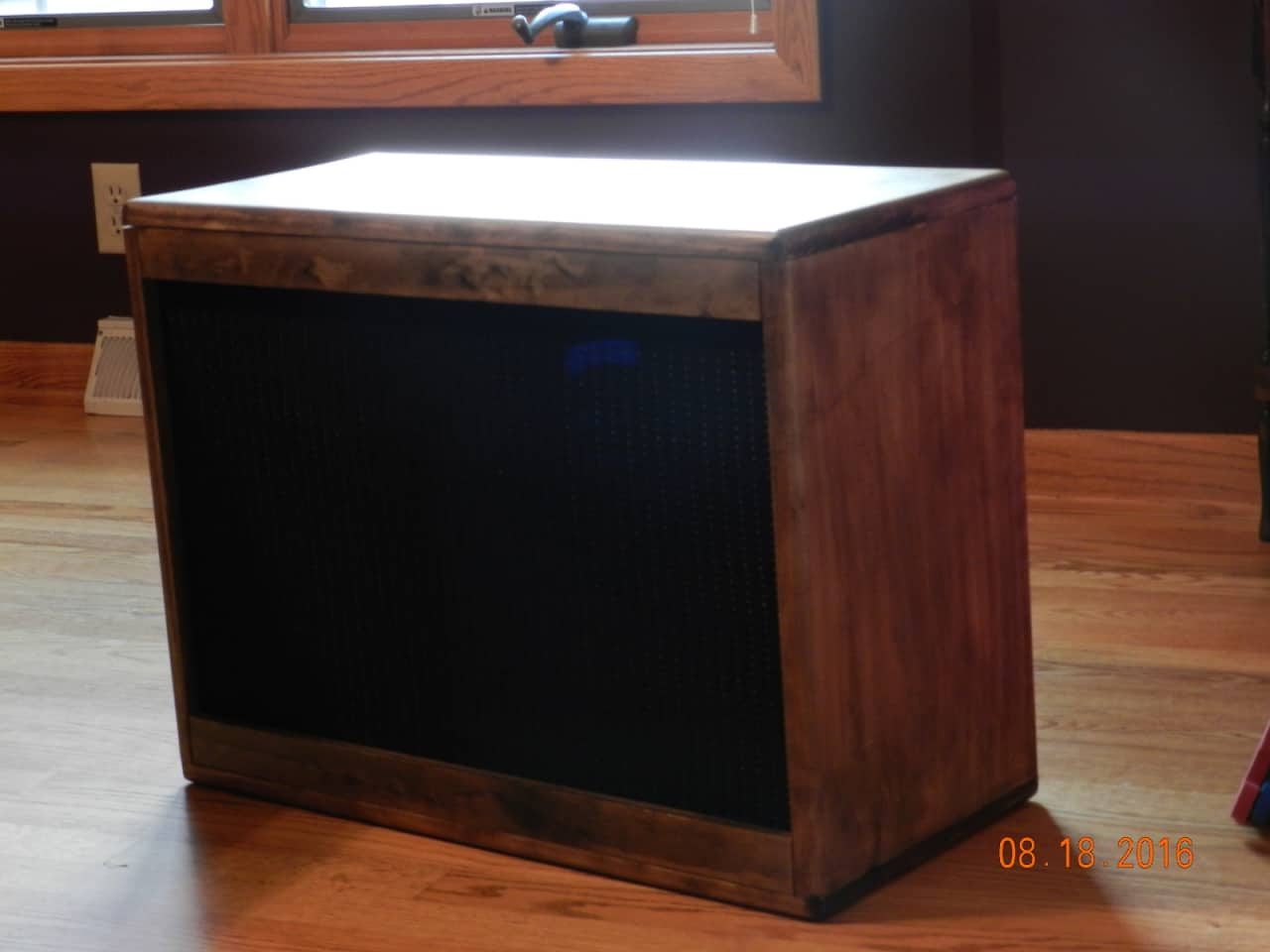 natural wood guitar speaker cabinet 1x12 custom built reverb. Black Bedroom Furniture Sets. Home Design Ideas