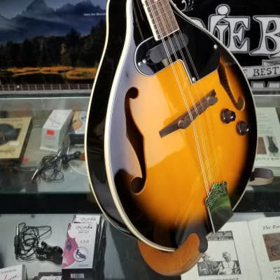 Ventura  VMD1-EST Acoustic /electric mandolin A-style with Single-coil PUP Antique sunburst with cream binding for sale